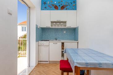 Seget Vranjica, Kuchyně v ubytování typu apartment, WiFi.