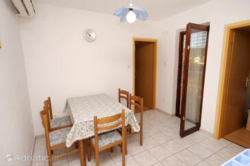 Vinišće, Столовая в размещении типа apartment, доступный кондиционер и WiFi.