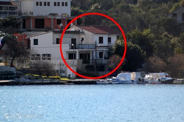 Vinišće, Trogir, Property 5982 - Apartments by the sea.