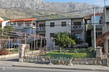 Sumpetar, Omiš, Property 5983 - Apartments near sea with pebble beach.