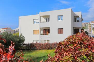 Makarska, Makarska, Property 5984 - Apartments with pebble beach.
