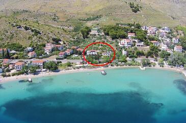 Duće, Omiš, Objekt 5987 - Ubytovanie blízko mora s kamienkovou plážou.