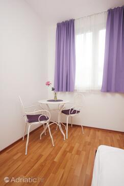 Orebić, Dining room in the studio-apartment, WIFI.