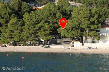 Brela, Makarska, Hébergement 6007 - Appartement à proximité de la mer avec une plage de galets.