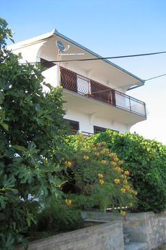 Seget Vranjica, Trogir, Property 6010 - Apartments near sea with pebble beach.