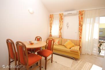 Klimno, Living room in the apartment, dostupna klima i dopusteni kucni ljubimci.