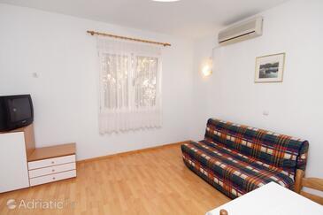 Trogir, Living room in the apartment, dostupna klima i WIFI.