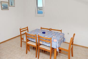 Sevid, Dining room in the apartment, dopusteni kucni ljubimci i WIFI.