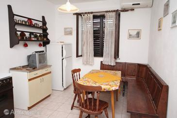 Supetar, Dining room in the apartment, air condition available.
