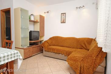 Supetar, Living room in the apartment, dostupna klima i WIFI.