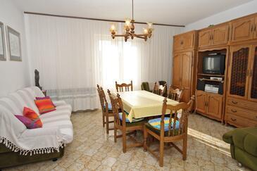 Supetar, Pokój dzienny w zakwaterowaniu typu apartment, dostupna klima i WIFI.