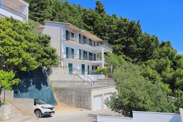 Brela, Makarska, Property 6043 - Apartments with pebble beach.