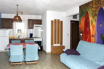 Postira, Living room in the apartment, dopusteni kucni ljubimci.