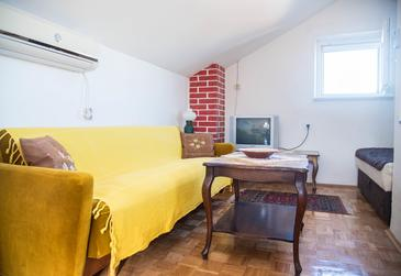 Postira, Living room in the apartment, air condition available and (pet friendly).