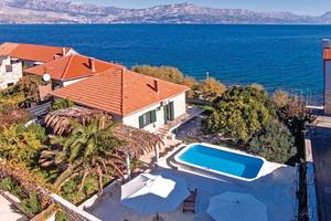 Seaside house with a swimming pool Postira (Brač) - 6054