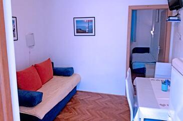 Tučepi, Obývací pokoj v ubytování typu apartment, WiFi.
