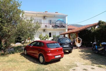 Kaštel Stari, Kaštela, Szálláshely 6059 - Apartmanok a tenger közelében kavicsos stranddal.