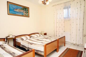 Kaštel Štafilić, Bedroom in the room, dopusteni kucni ljubimci i WIFI.