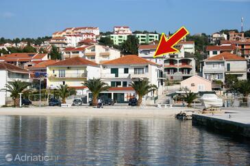 Okrug Gornji, Čiovo, Objekt 6067 - Ubytování v blízkosti moře s oblázkovou pláží.