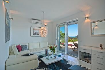 Medići, Obývacia izba 1 v ubytovacej jednotke house, klimatizácia k dispozícii, domáci miláčikovia povolení a WiFi.