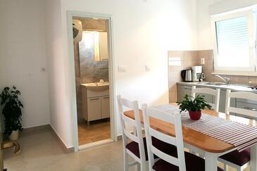 Podstrana, Sala da pranzo nell'alloggi del tipo studio-apartment, WiFi.
