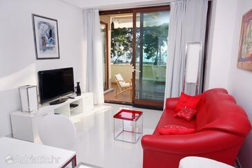 Podstrana, Living room in the apartment, dostupna klima.