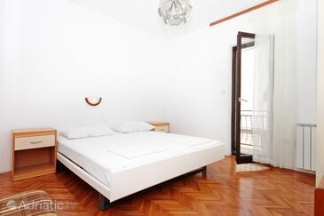 Makarska, Bedroom in the room.