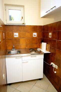 Seget Vranjica, Kitchen in the studio-apartment, WIFI.