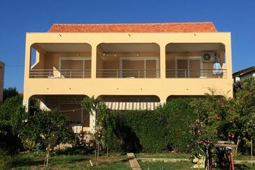 Brodarica, Šibenik, Объект 6098 - Апартаменты вблизи моря с галечным пляжем.