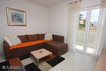 Tisno, Living room in the apartment.