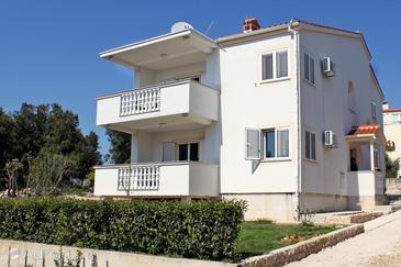 Petrčane, Zadar, Property 6109 - Apartments near sea with pebble beach.