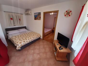 Vinišće, Obývacia izba v ubytovacej jednotke apartment, dostupna klima, dopusteni kucni ljubimci i WIFI.