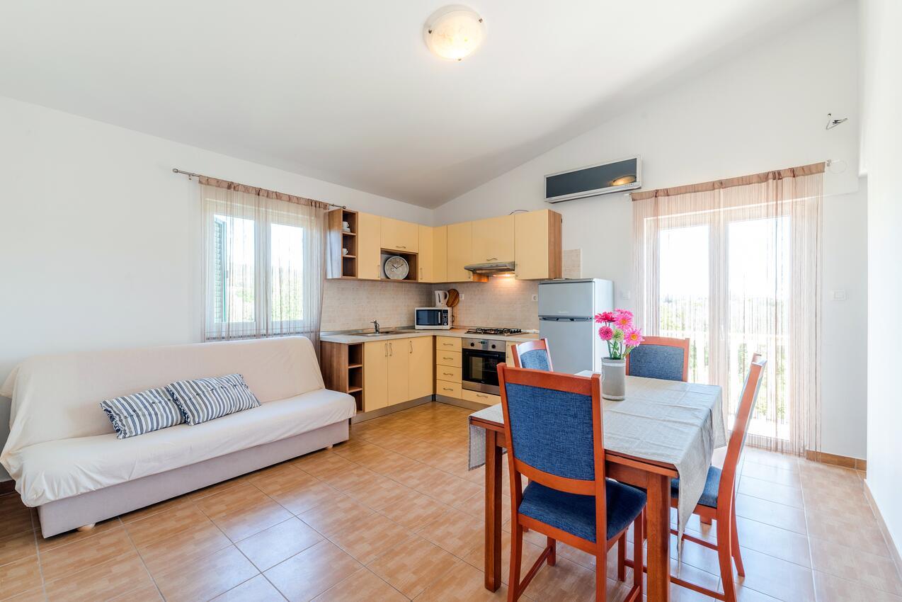 ferienwohnung im ort bibinje zadar kapazit t 2 2. Black Bedroom Furniture Sets. Home Design Ideas