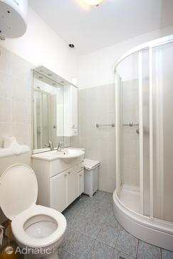 Bathroom 2   - A-613-a