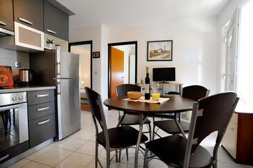 Sukošan, Esszimmer in folgender Unterkunftsart apartment, Haustiere erlaubt und WiFi.