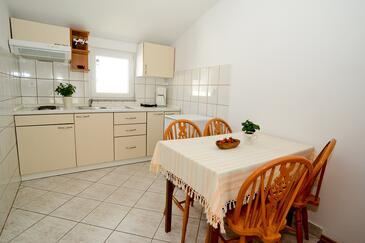Sukošan, Dining room in the studio-apartment, (pet friendly) and WiFi.