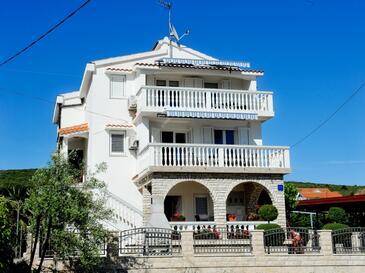 Sukošan, Zadar, Property 6131 - Apartments with pebble beach.