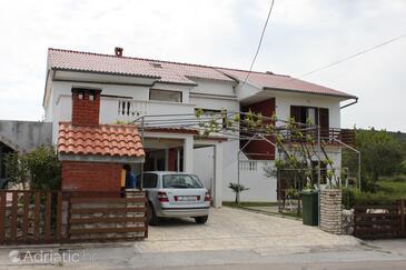 Ljubač, Zadar, Objekt 6141 - Ubytování s písčitou pláží.