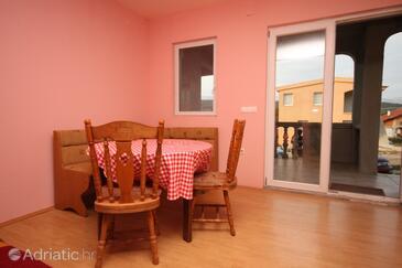 Posedarje, Dining room in the apartment, dopusteni kucni ljubimci.