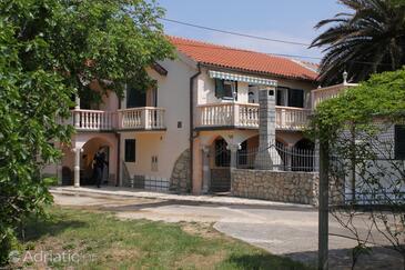 Privlaka, Zadar, Property 6154 - Apartments with sandy beach.