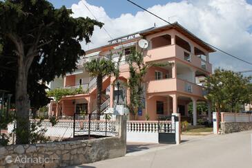 Pakoštane, Biograd, Объект 6161 - Апартаменты вблизи моря с галечным пляжем.