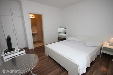 Pakoštane, Bedroom in the room.