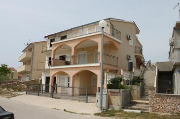 Sveti Petar, Biograd, Objekt 6169 - Ubytování s oblázkovou pláží.