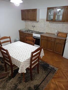 Biograd na Moru, Столовая в размещении типа apartment, доступный кондиционер.