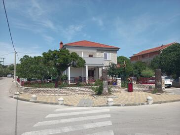 Biograd na Moru, Biograd, Property 6170 - Apartments with pebble beach.