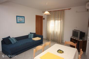 Drage, Living room in the apartment, dostupna klima, dopusteni kucni ljubimci i WIFI.