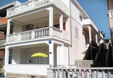 Sveti Petar, Biograd, Obiekt 6174 - Apartamenty ze żwirową plażą.