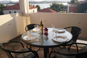 Apartments by the sea Turanj (Biograd) - 6177