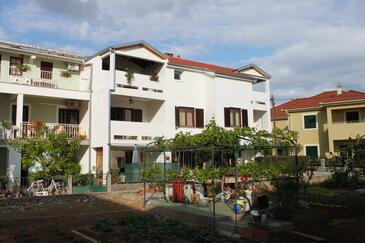 Turanj, Biograd, Property 6177 - Apartments near sea with pebble beach.
