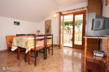 Turanj, Столовая в размещении типа apartment, доступный кондиционер и WiFi.